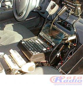 патрульная машина со старой моделью MDSI